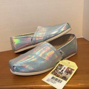 NWT Toms Classic Silver Shine Slip-on